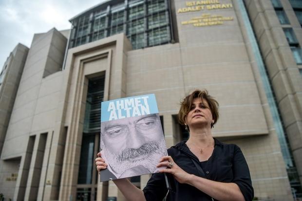 """Τουρκία: Δημοσιογράφοι στο εδώλιο για το """"πραξικόπημα"""""""