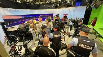 Σλοβενία: Αρνητές του κορωνοϊού εισέβαλαν σε στούντιο της δημόσιας τηλεόρασης